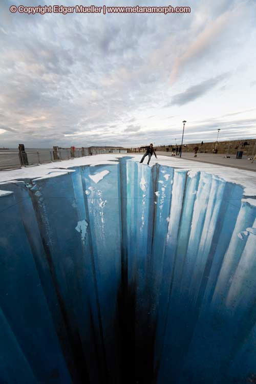 Ice abyss