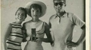 Beautiful Vintage Selfies of the last Decades (10 Photos)